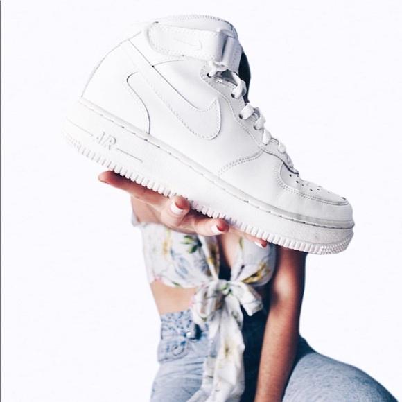 8a85117b21457 Nwt Nike Air Force 1 triple white